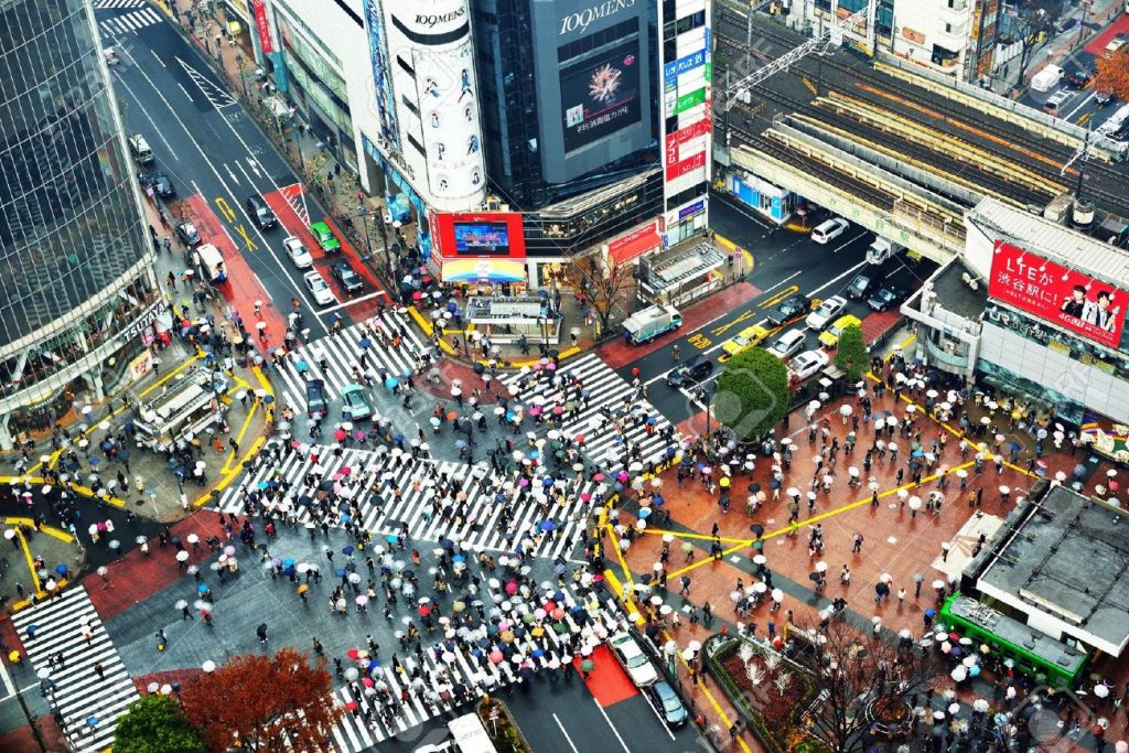 17464672-tokyo-december-15-shibuya-crossing-december-15-2012-in-tokyo-jp-the-crossing-is-one-of-the-world-s-m-stock-photo